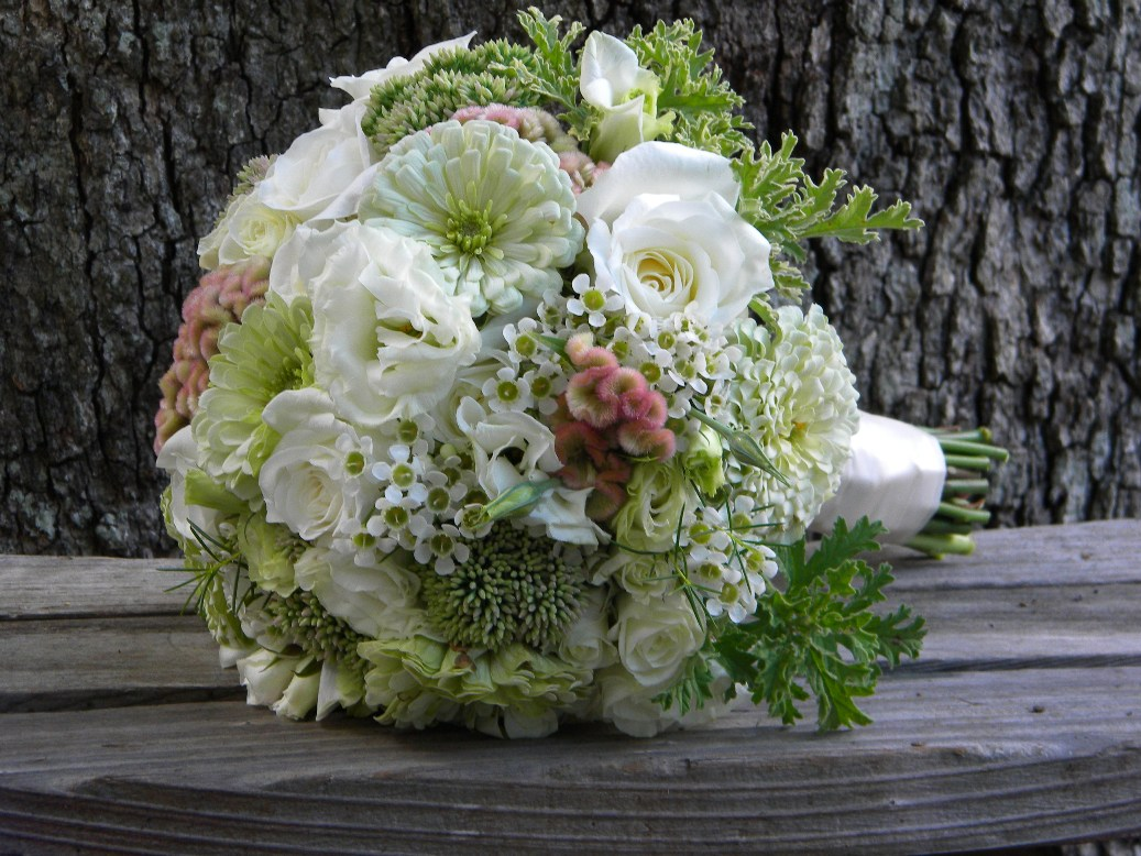 White wedding flowers in september : Wedding flowers from springwell zinnias for summer weddings