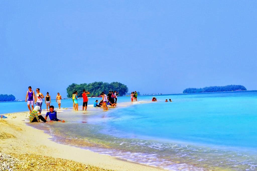 Objek wisata pulau harapan sangat digemari pengunjung lokal