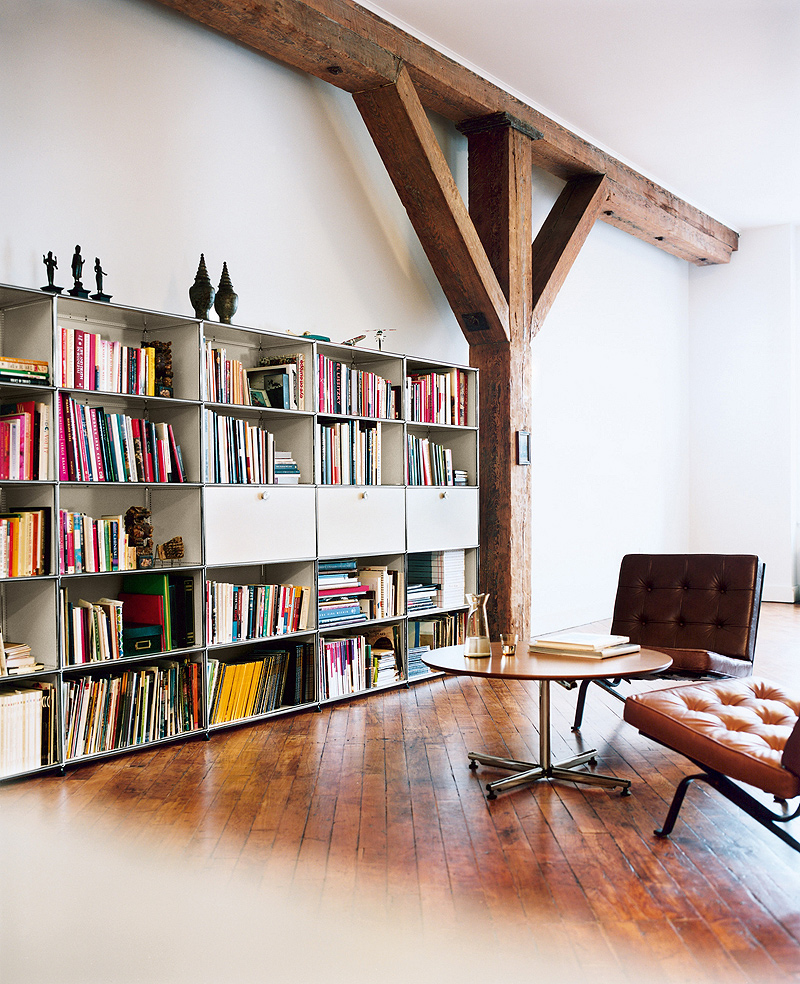 arkitektura dedica una exposici n al sistema modular usm. Black Bedroom Furniture Sets. Home Design Ideas