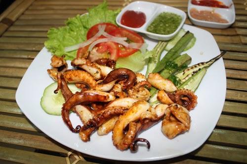 Một số món ăn tại quán Như Linh