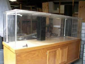 Giant aquariums 368 gallon fish tank large saltwater for Fish tanks craigslist