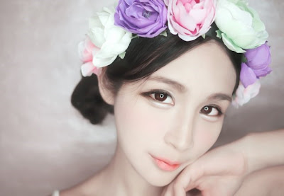 kpop women, asian women, korean, xiaxue, miyake wong, alodia gosiengfao, fan bing bing, park bom, asian beauty trends, double eyelid, v line face, circle lenses, aegyo sal