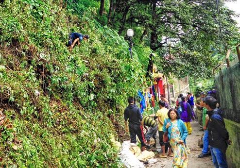 Darjeeling DM asked to stop hawker market work at Chowrasta