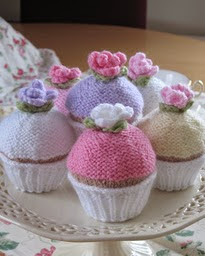 http://www.ravelry.com/patterns/library/yummy-scrummy-cupcakes