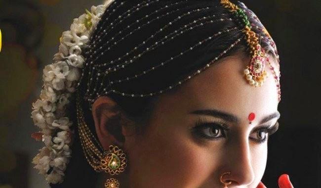 Tradtional Jewelry of India: Maang Tikka Chutti Hair Jewellery