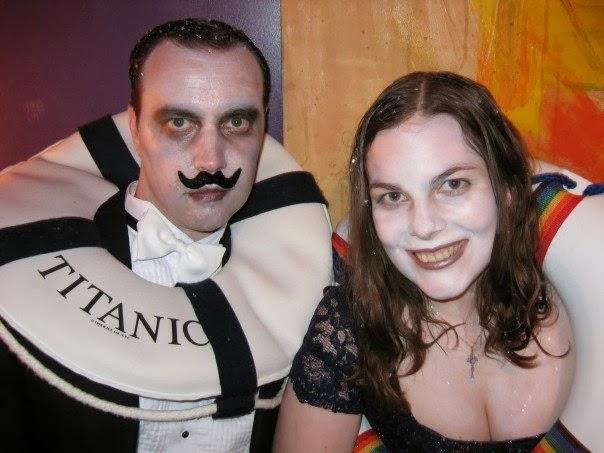 dead titanic person costume cool halloween costume halloween survivor die