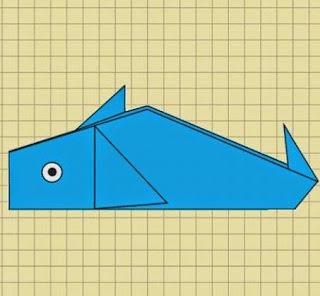 http://manualidadesreciclables.com/15366/como-hacer-una-ballena-en-origami