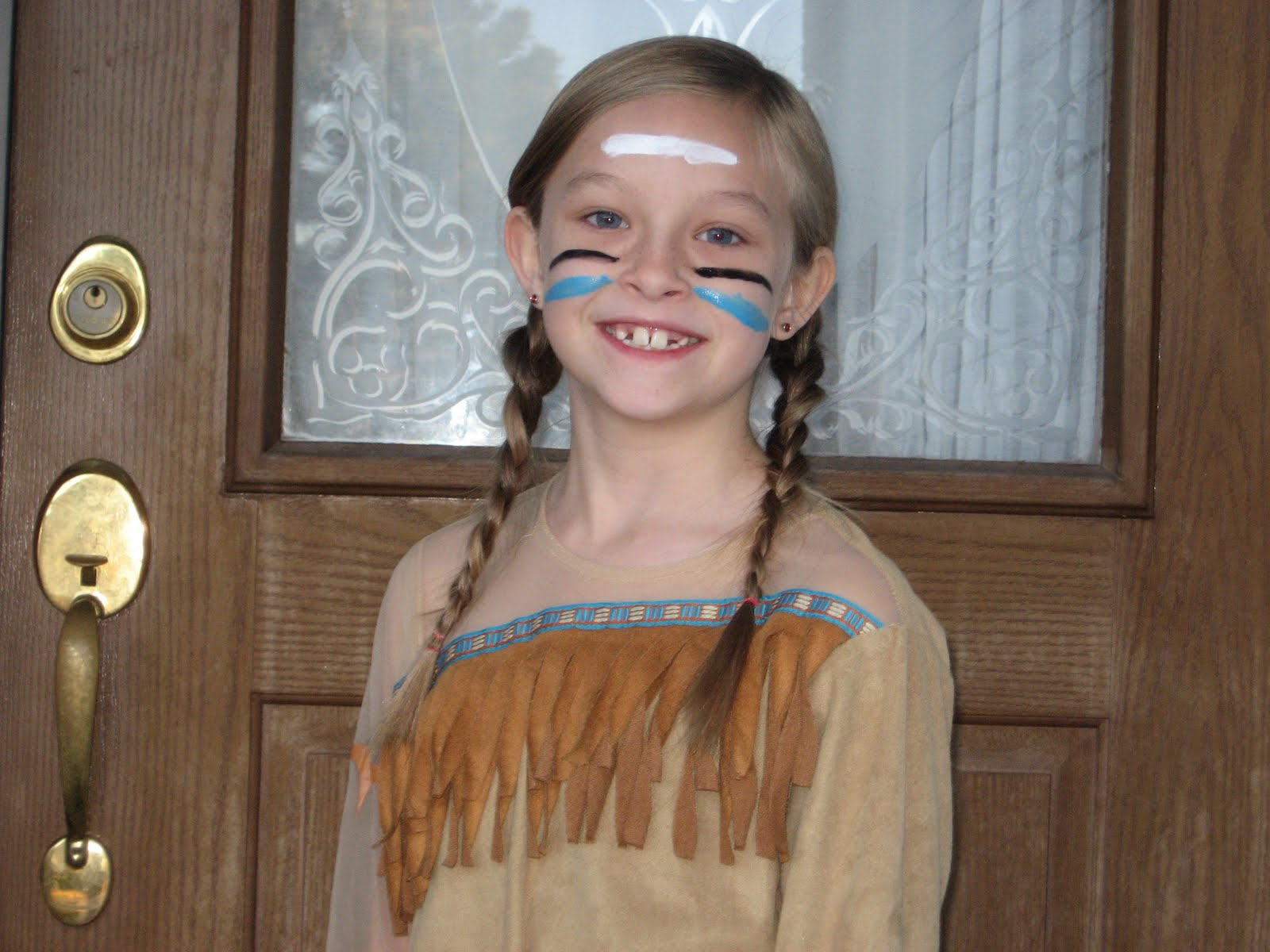 Native American Face Paint Female http://clapptribe.blogspot.com/2011_11_01_archive.html