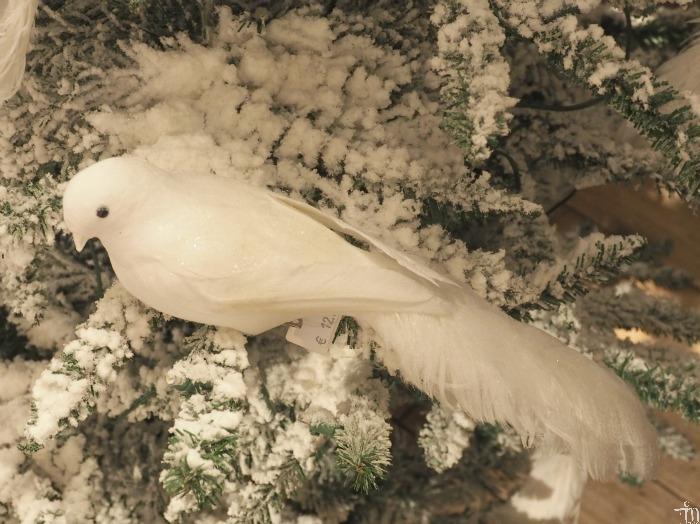 valkoinen lintujoulukoriste