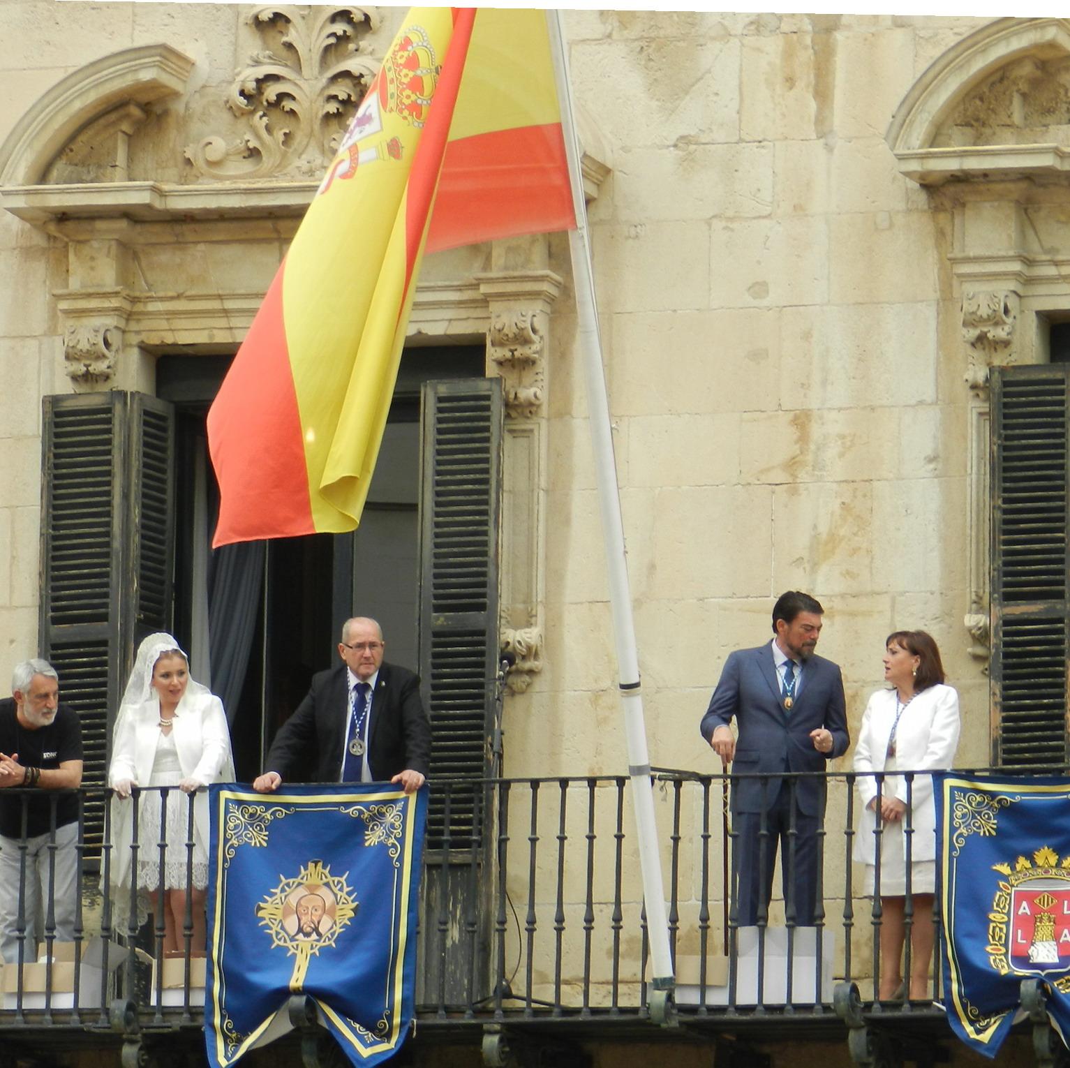 Bandera de España en el Ayuntamiento de Alicante