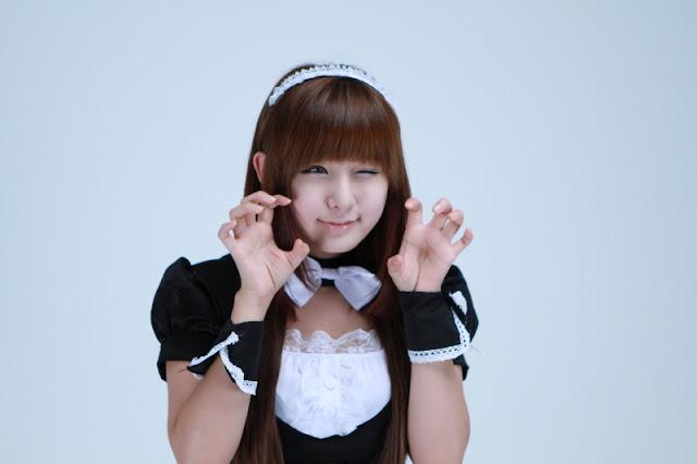 Ryu Ji Hye - Maid Cosplay