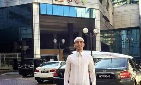 Dato Terlajak Laris Mohon Maaf Keterlanjuran Upload Gambar Jubah Terbayang