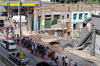 A 7ª Câmara de Direito Público do TJSP manteve sentença que condenou a Companhia de Saneamento Básico de São Paulo (Sabesp) a indenizar moradora que teve seu imóvel demolido por causar riscos aos vizinhos.