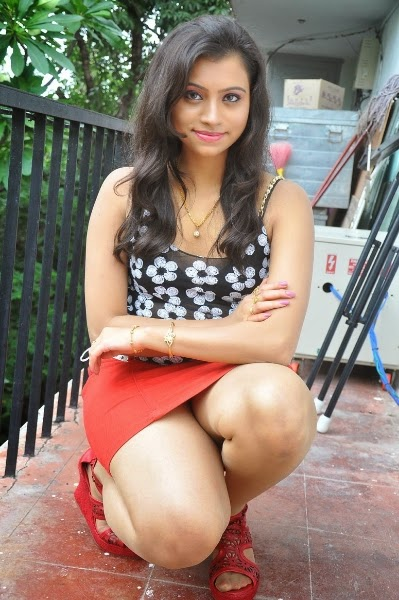 ... Thigh Show in Red Mini Skirt - FILM ACTRESS HOT PHOTOS COLLECTIONS