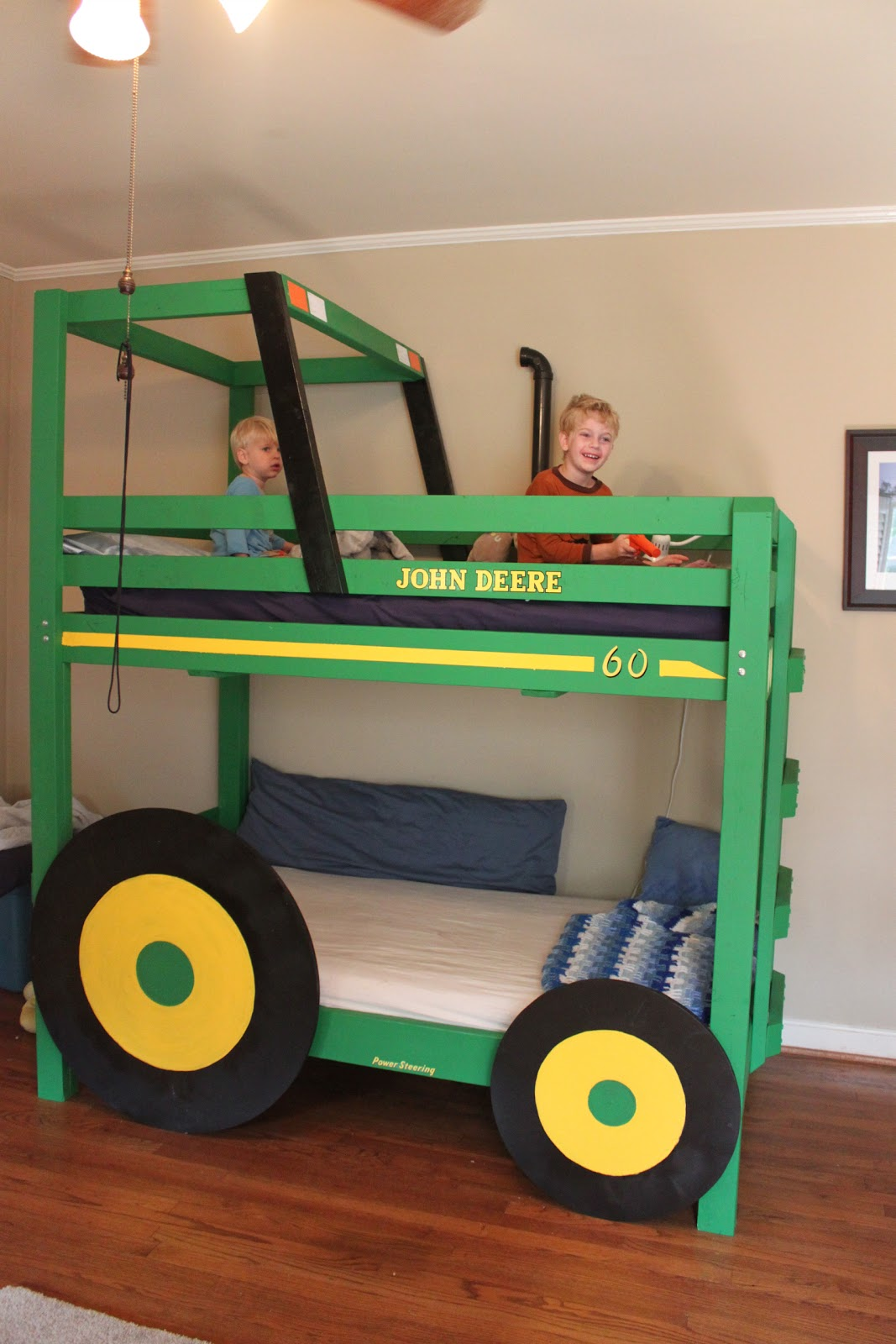 John Deere Tractor Playhouse Plans : Download john deere tractor bunk bed plans pdf kids