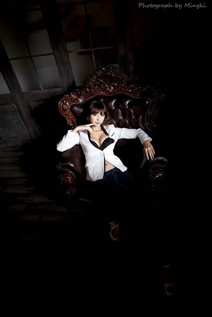 2 Seo Han Bit - Yellow sweater and white shorts - very cute asian girl-girlcute4u.blogspot.com