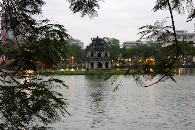 Lago no centro de Hanói no Vietnã