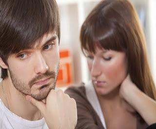 Veja 10 sinais que homens e mulheres revelam antes de trair seus parceiros