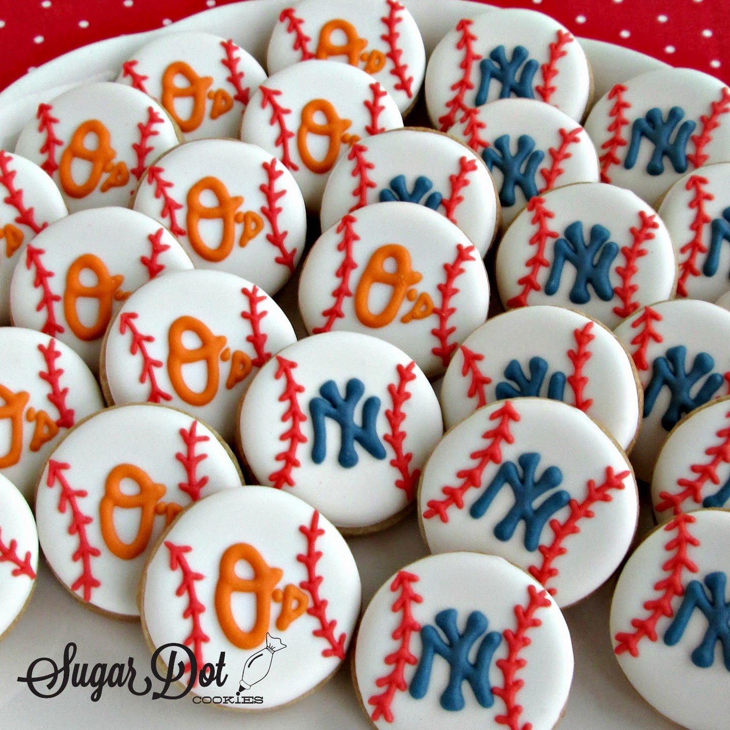 Image result for orioles  and yankees cupcakes