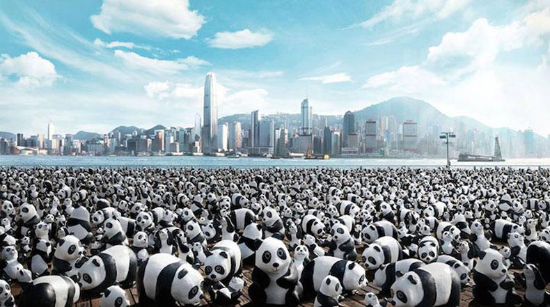 Manada de 1600 pandas de papel maché crean conciencia global