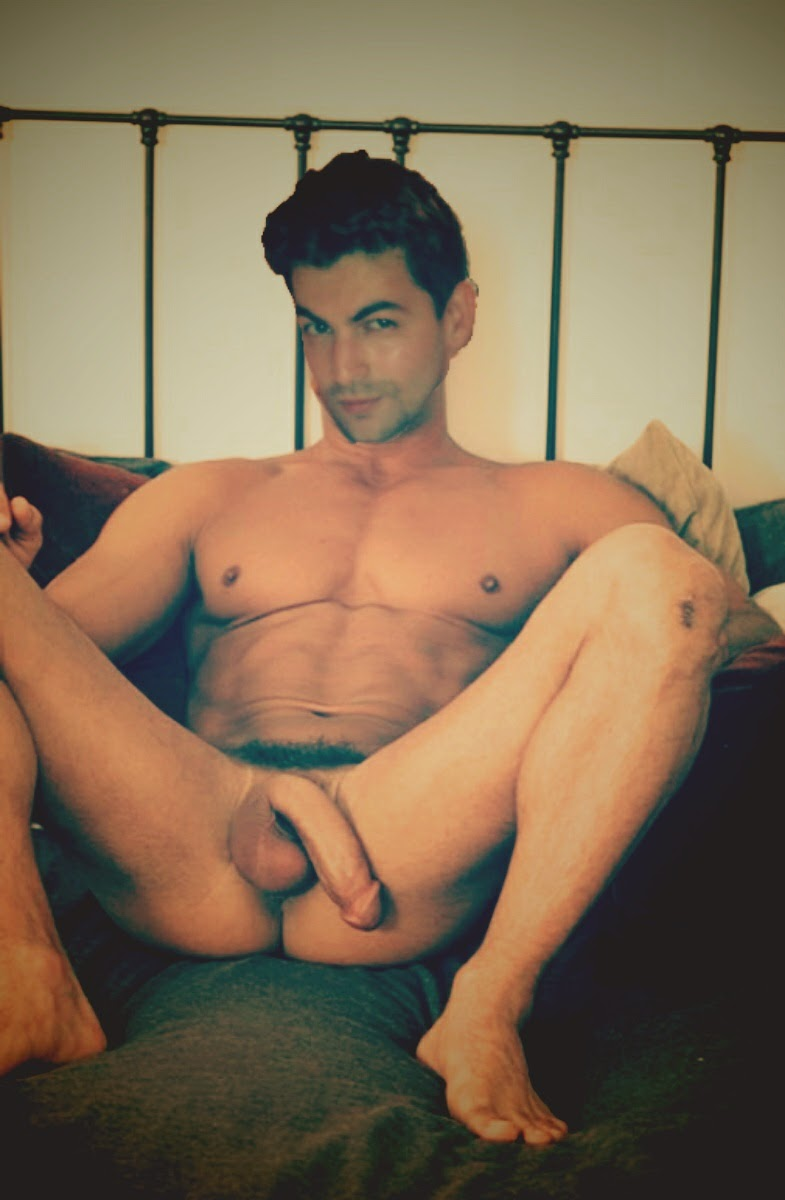 nude indian male actors: post 6- neil nitin mukesh 1