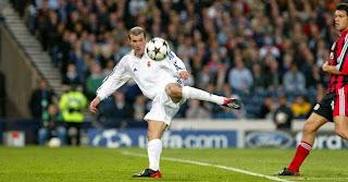 Biografi Zinedine Zidane » Pesebakbola Muslim Tersukses