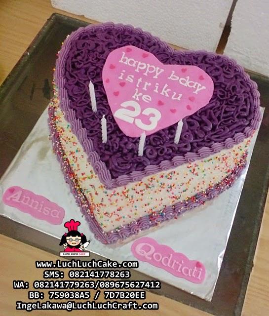 Kue Tart Love Untuk Istri Daerah Surabaya - Sidoarjo