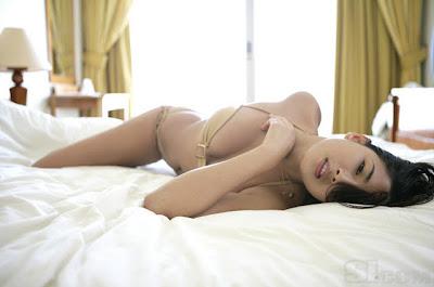 HOT! Foto Bikini Sexy Model Singapura Jessica Gomes