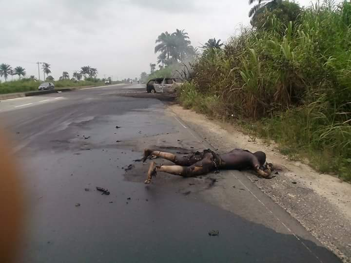 Welcome to linda ikeji s blog graphic photos man burnt to death in