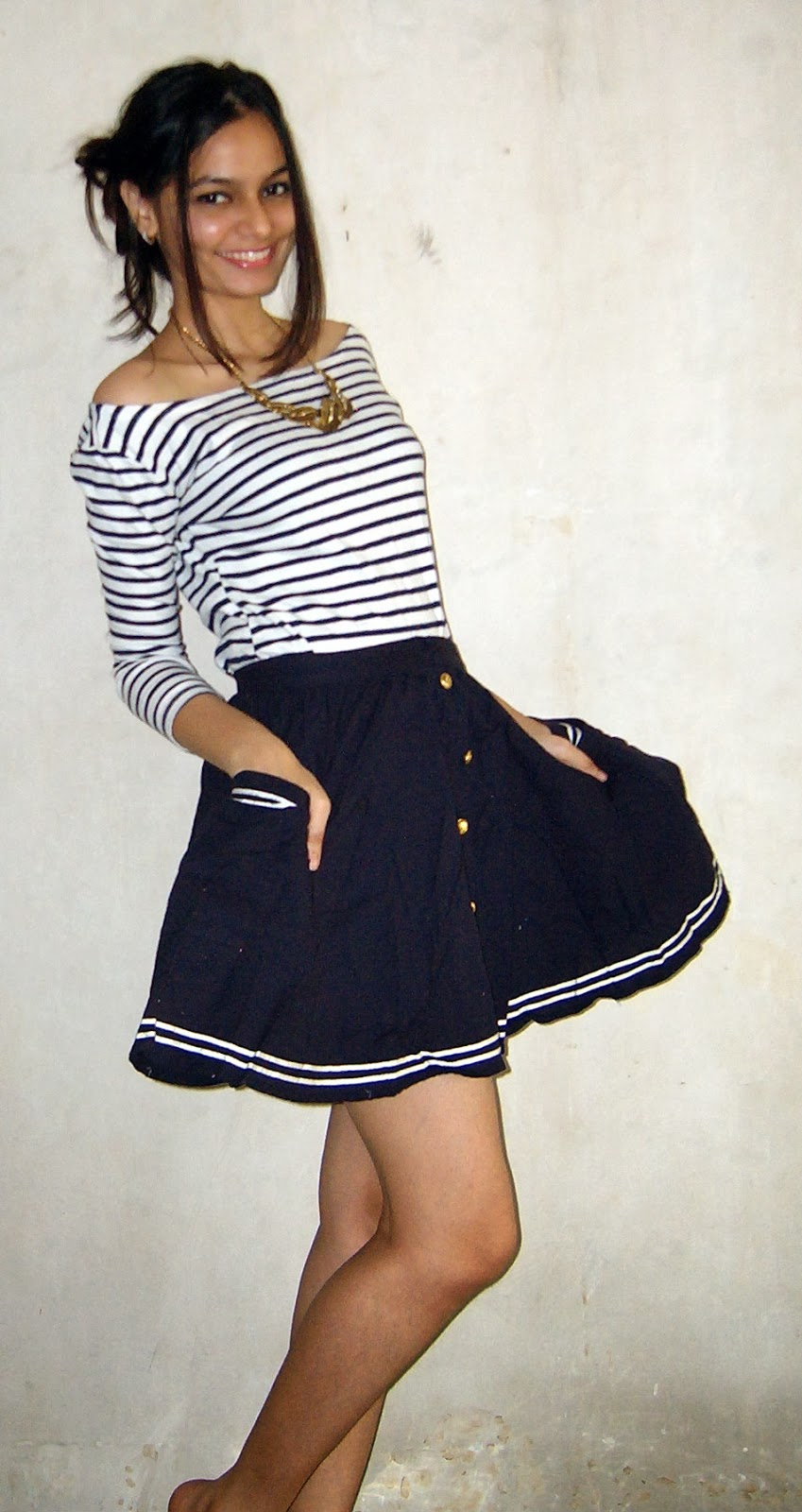 mumbai streetstyle, indian fashion blogger, skater skirt, how to wear striped tshirt, gold accents, statement necklace