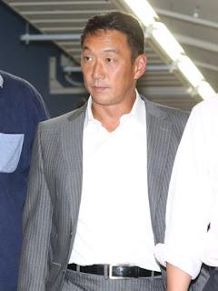 <広・神>テレビ解説を終え、球場を後にする金本氏