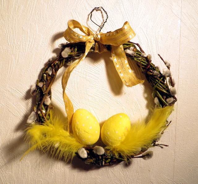 Easter willow wreath Pajukranssi pääsiäinen