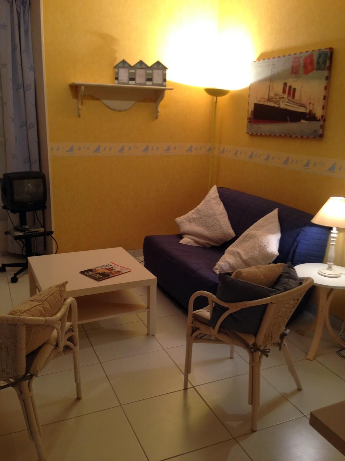 location saint malo. Black Bedroom Furniture Sets. Home Design Ideas