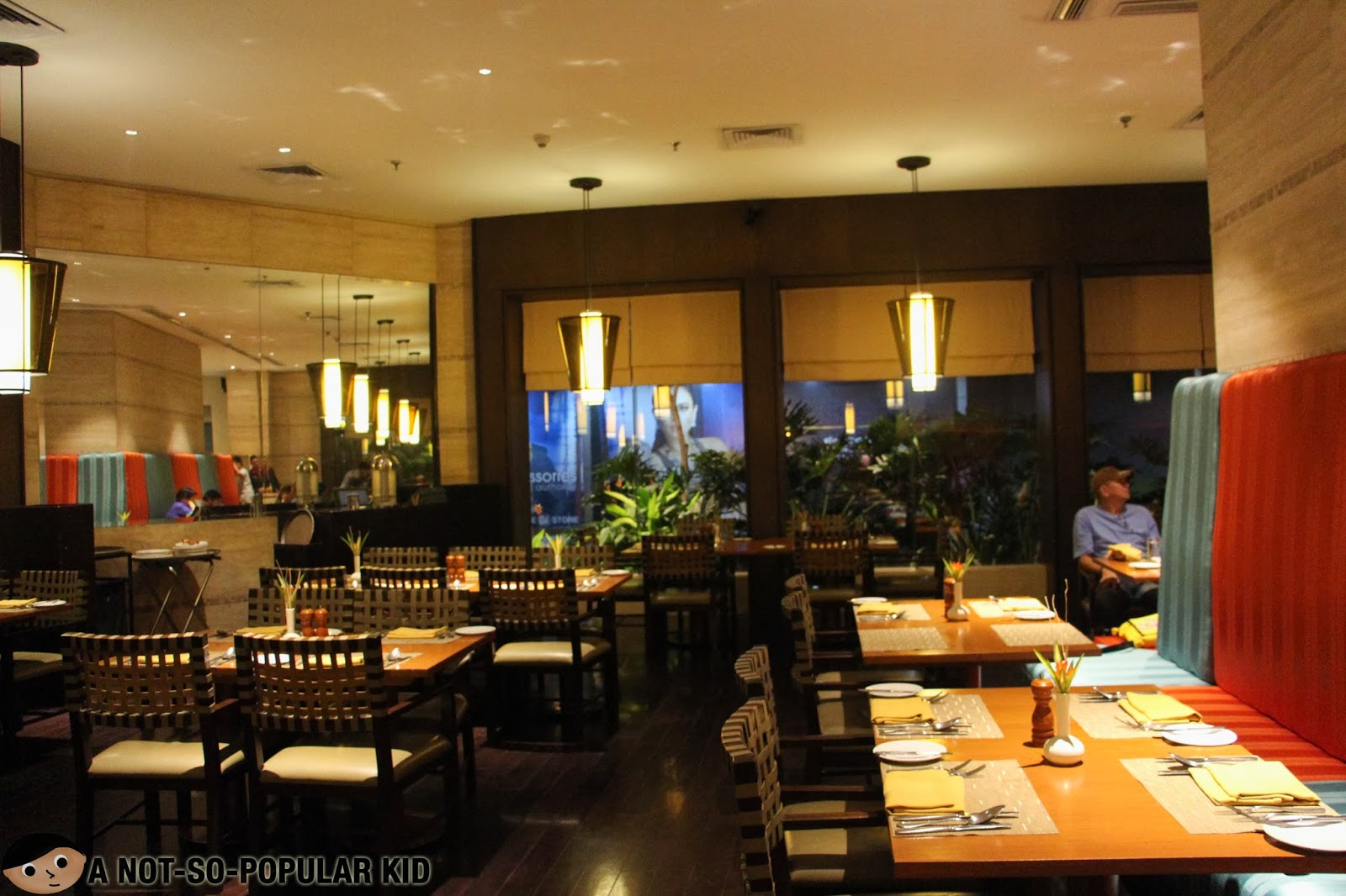 Dusit Thani's Basix Restaurant - the cozy and warm interior!