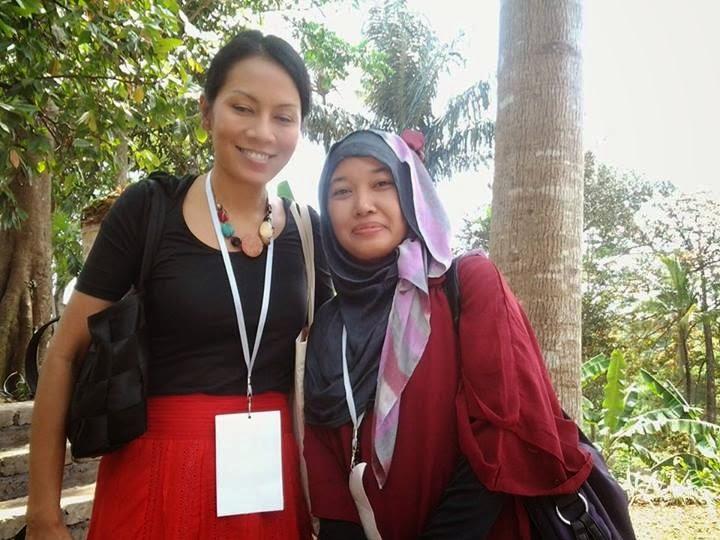 http://diannafi.blogspot.com/2013/10/even-diskusi-buku-miss-backpacker-naik.html