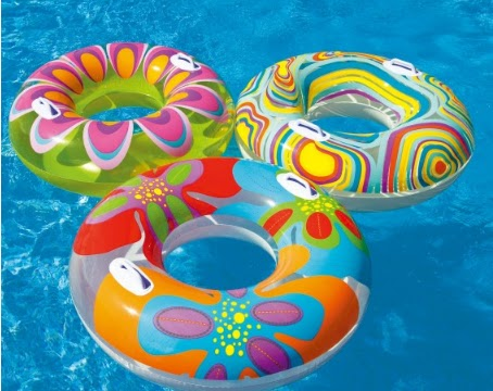 balloons decorate the pool, swimming pools decorated with balloons, how to decorate for a party pool for children, pool ideas for decorating with balloons, pretty decorations for pool, need ideas to decorate the pool for a birthday party, how decorate the pool for a party with friends