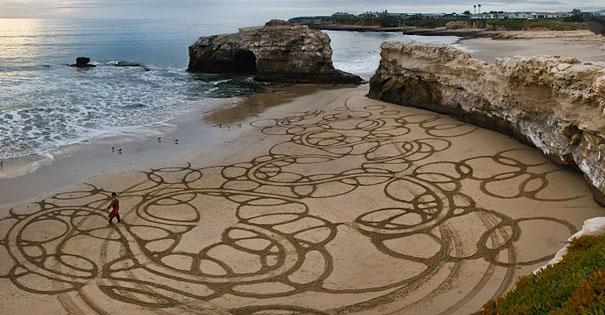 Lukisan Menakjubkan Di Atas Pasir Fasfas
