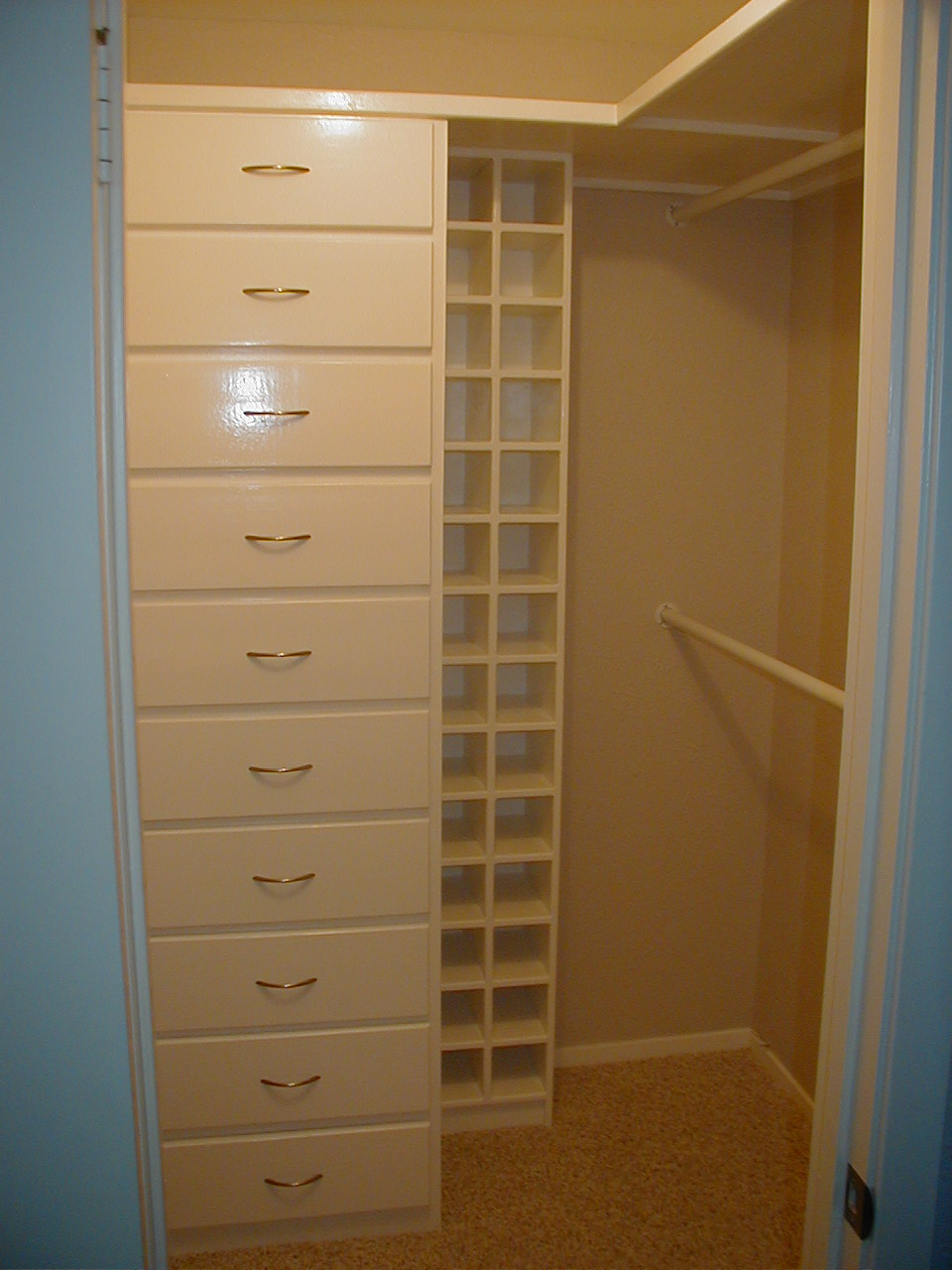 Suburbs mama master closet for Master closet