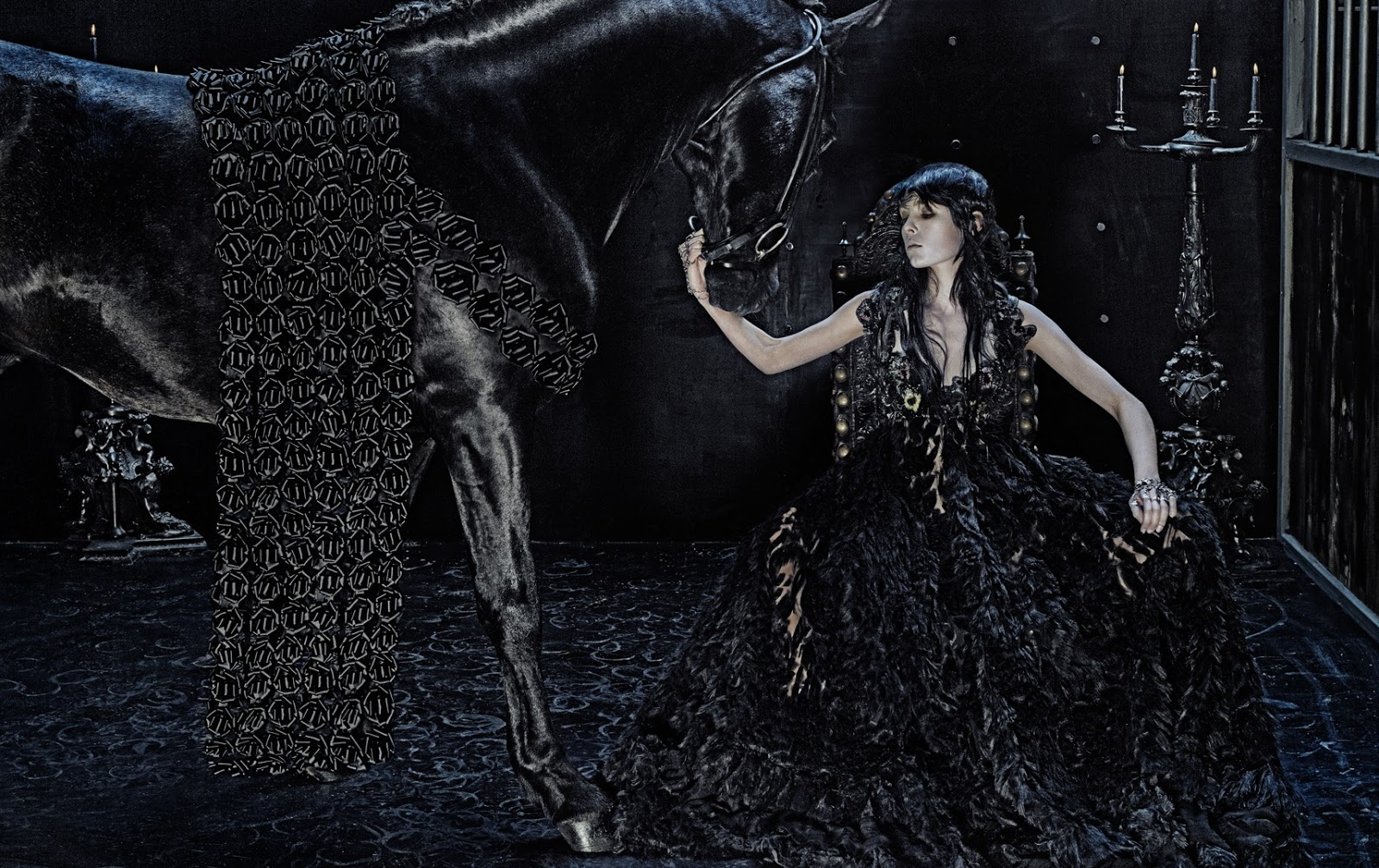 ad campaign alexander mcqueen f w edie campbell
