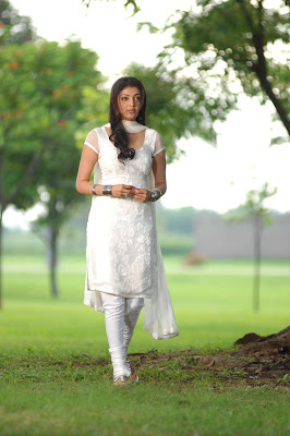 kajal agarwal in white salwar actress pics