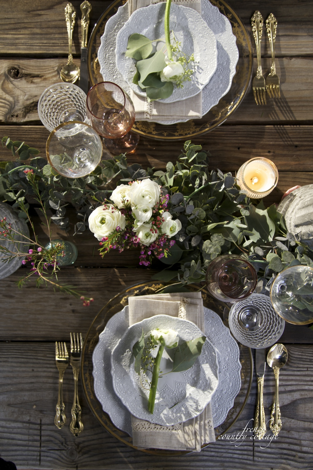 Table with garland and flowers & Simple romantic table on the patio - FRENCH COUNTRY COTTAGE