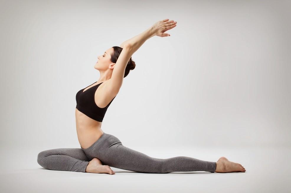 5 Cara Menurunkan Berat Badan Setelah Melahirkan dengan Senam Yoga