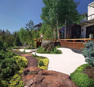 foto 6a jardin minimalista de lujo zen con piedras - frentes de casas