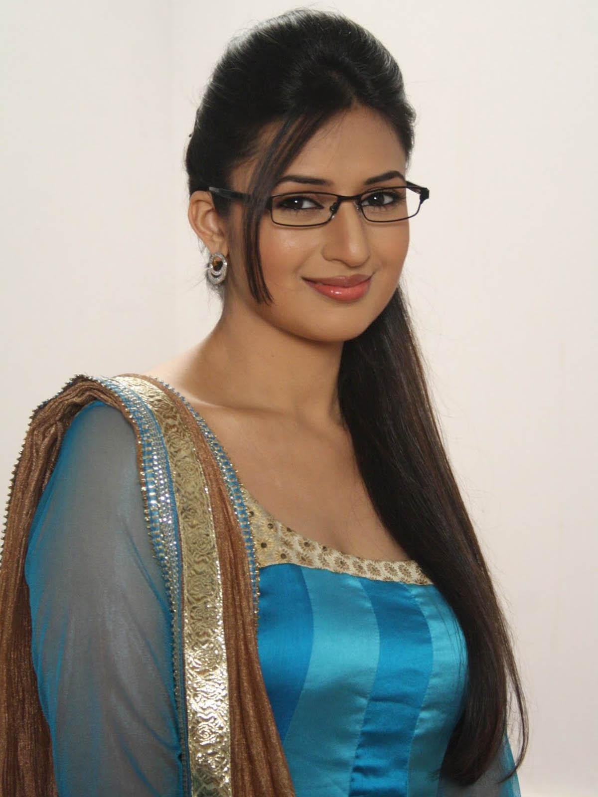 For wedding bridal entertainment desi wedding indian bridal hair - Yanka Tripathi Junglekey In Image