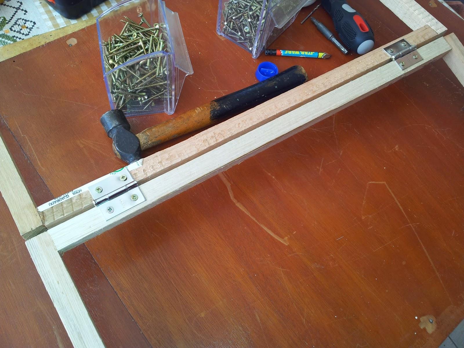 Para dar mais firmeza usei uma travessa de madeira para manter o  #7F4127 1600x1200