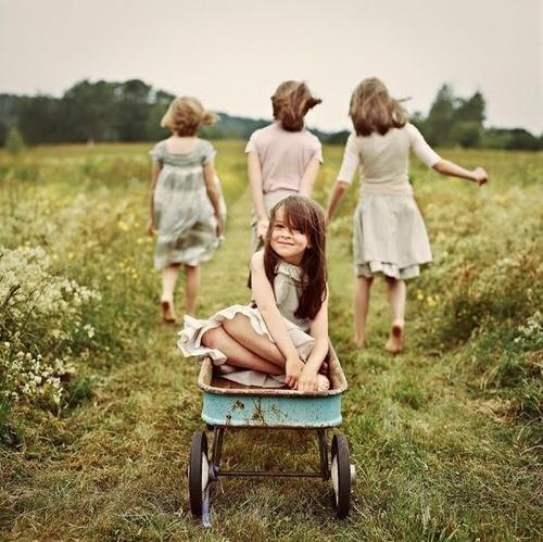 แฟชั่นการแต่งกายสำหรับเด็กผู้หญิง