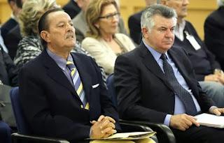 Julián Muñoz y Roca (izquierda y derecha respectivamente), los que más condenas acumulan