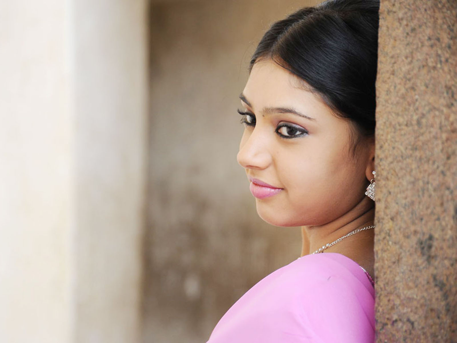 [Image: Niti+Taylor+Hd+Wallpaper+05.jpg]