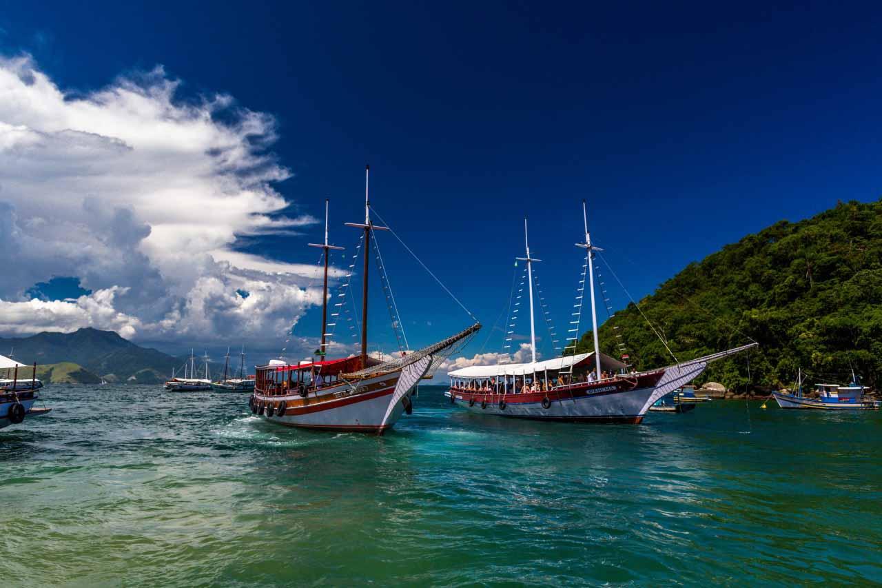 Яхта фото на море