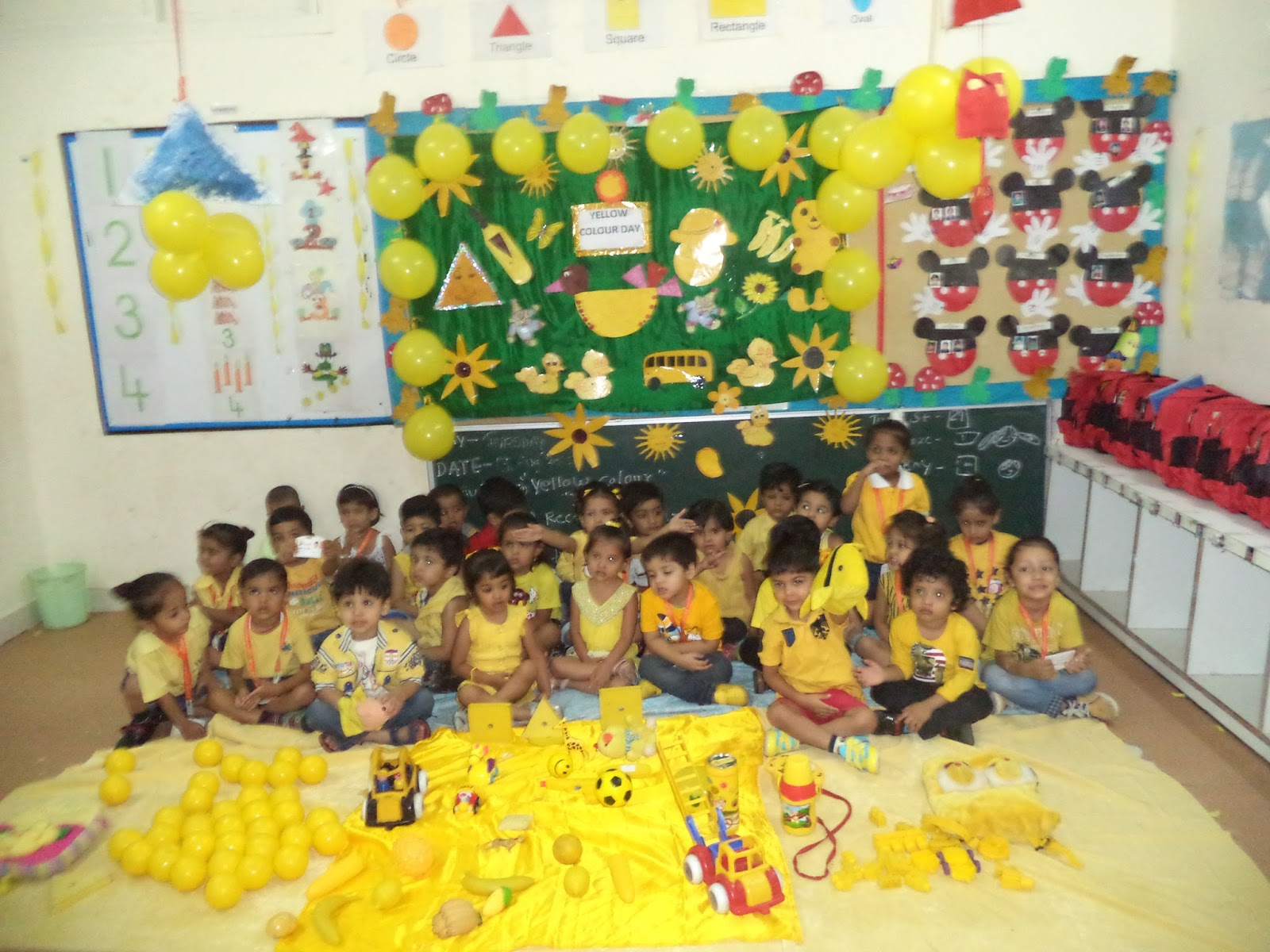 yellow day celebration in preschool on the top of the world celebrated yellow coloured day 289